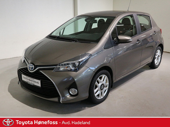Toyota Yaris 1,5 Hybrid Active S e-CVT Dab+ Navigasjon Bluetooth  2016, 29000 km, kr 184000,-