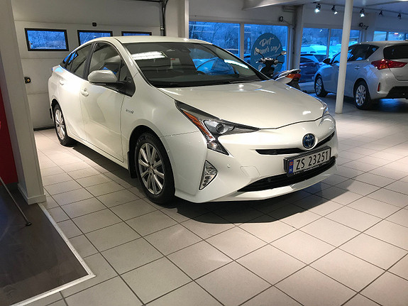 Toyota Prius 1,8 Bensin Hybrid Executive  2016, 53000 km, kr 259000,-
