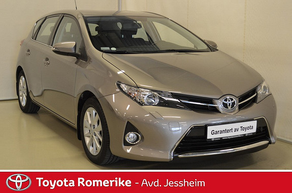 Toyota Auris 1,33 Dual VVT-i  Active DAB+, navigasjon, ryggekamera  2014, 47500 km, kr 159000,-