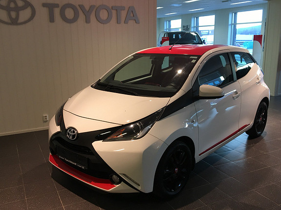 Toyota Aygo x-play 1,0  2015, 45925 km, kr 129000,-