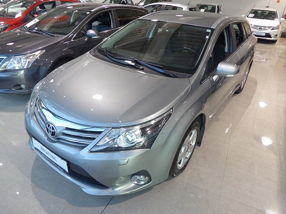 Toyota Avensis 1,8 147hk Advance Multidrive S m/DAB+ og Navi  2012, 50700 km, kr 199000,-