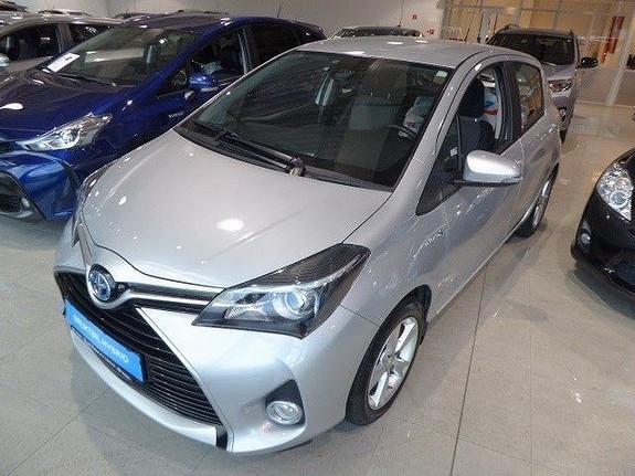 Toyota Yaris 1,5 Hybrid Active e-CVT m/DAB+ og Navi  2015, 49000 km, kr 179000,-