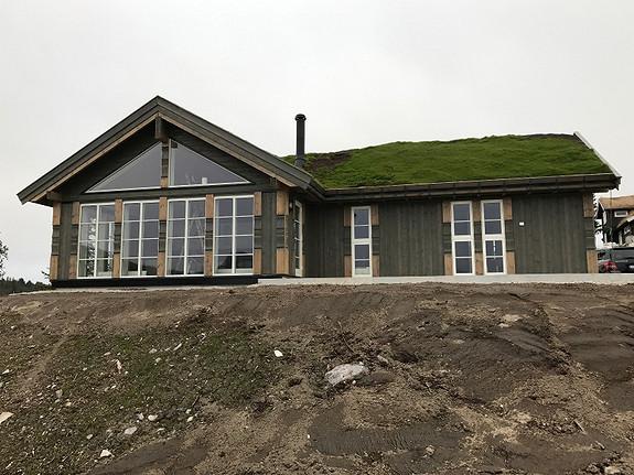 Beitostølen M Romslig hytte 4 sov 2 bad, vaskerom, hems inklusiv tomt
