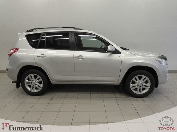 Toyota RAV4 2,2 D-4D Vanguard Executive 150hk 4X4 (Servicer fulgt.)  2011, 187000 km, kr 159000,-