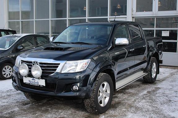 Toyota HiLux D-4D 171hk D-Cab Aut 4WD SR+ Hengerfeste, Ryggekamera,  2014, 41300 km, kr 339000,-