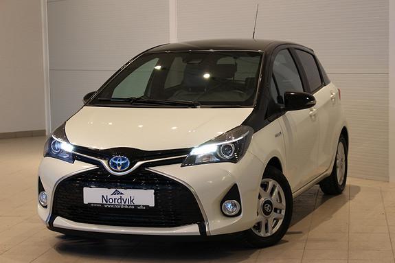 Toyota Yaris 1,5 Hybrid Active BiTone e-CVT  2016, 9509 km, kr 199000,-
