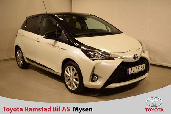 Toyota Yaris 1,5 Hybrid Bi Tone + e-CVT aut  2017, 2000 km, kr 249000,-