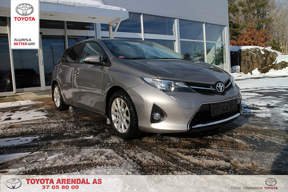 Toyota Auris 1,33 Dual VVT-i  Style  2013, 46000 km, kr 159000,-