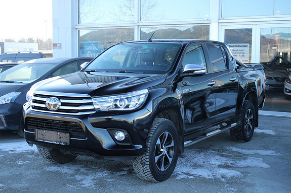 Toyota HiLux D-4D 150hk D-Cab 4WD SR+ aut Topputstyrt  2016, 13500 km, kr 449000,-