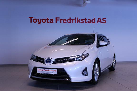 Toyota Auris 1,8 Hybrid E-CVT Executive  2014, 49350 km, kr 199000,-
