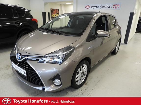 Toyota Yaris 1,5 Hybrid Style , Panoramatak,  2015, 29300 km, kr 175000,-