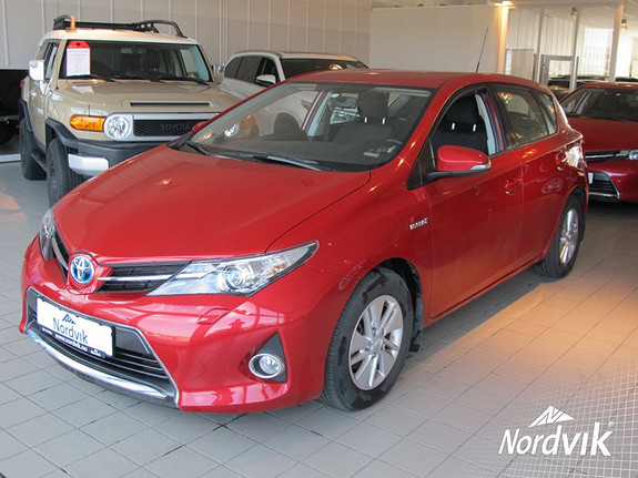 Toyota Auris 1,8 Hybrid E-CVT Active  2014, 8362 km, kr 229000,-