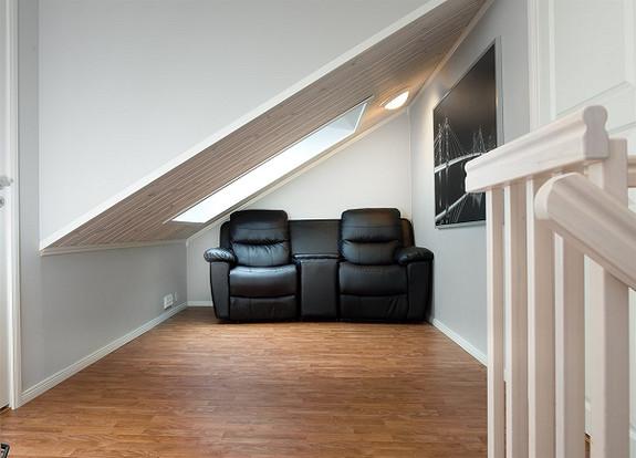 Moderne nyere selveierleilighet over 2 etasjer med egen veranda, carport og lave felleskostader. Østgårdhaven - Fredrikstad