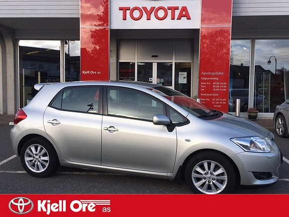 Toyota Auris 1,6 Valvematic Executive MultiMode H.feste, navi, rygge  2010, 70 170 km, kr 139 000,-