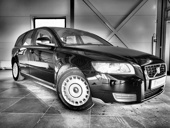 VS Auto - Volvo V50