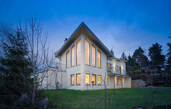 Stor, iøynefallende enebolig med godkjent utleiedel - lavenergihus med passivhusteknologi - Bråtenfeltet, Begby