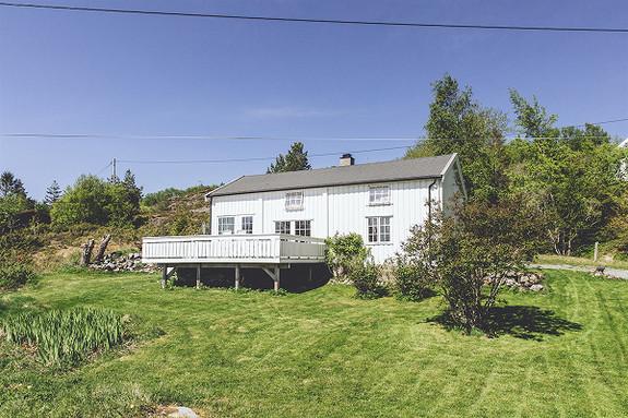 4-roms hytte - Ved sjøen - Oksvoll - 1 490 000,- Olden & Partners