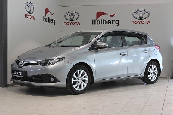 Toyota Auris 1,33 Dual VVT-i  Active Navi, DAB+ Safety Sense++  2015, 26400 km, kr 199000,-