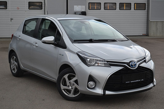 Toyota Yaris 1,5 Hybrid Active+ e-CVT aut  2016, 24245 km, kr 199000,-