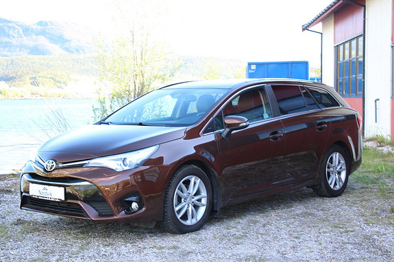 Toyota Avensis Touring Sports 1,6 D-4D Active Style Skinn, Panorama  2015, 29300 km, kr 299000,-