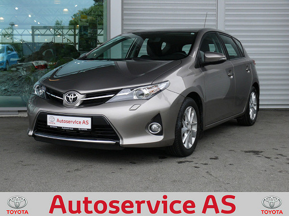 Toyota Auris 1,33 Dual VVT-i  Active Go navi  2013, 44000 km, kr 179000,-