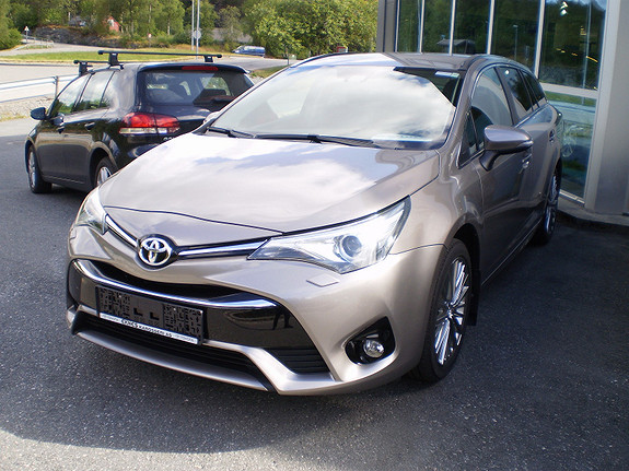 Toyota Avensis Aktiv Style  2015, 15000 km, kr 276161,-