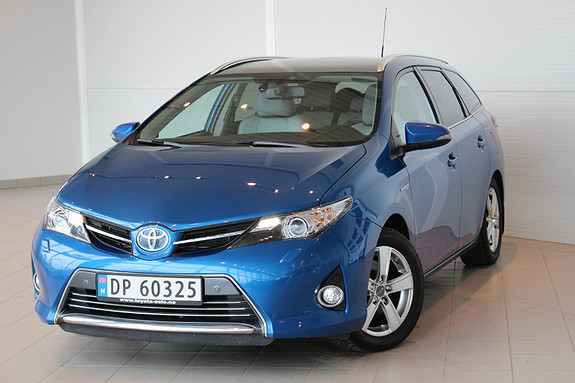Toyota Auris Touring Sports 1,8 Hybrid Executive Topp Utgaven, DEFA,  2014, 49 000 km, kr 229 000,-