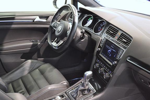 Volkswagen Golf GTE 204HK med Soltak og hengerfeste