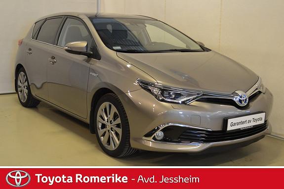 Toyota Auris 1,8 Hybrid E-CVT Executive Glasstak, Skinn,  2015, 33500 km, kr 229000,-