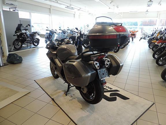 Bilbilde: Honda VFR800 vtec