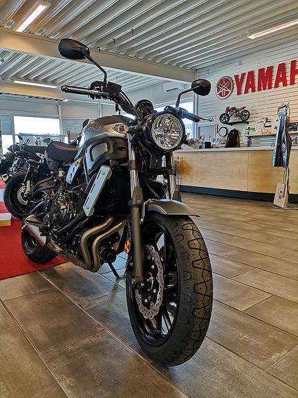 Bilbilde: Yamaha XSR700 A2