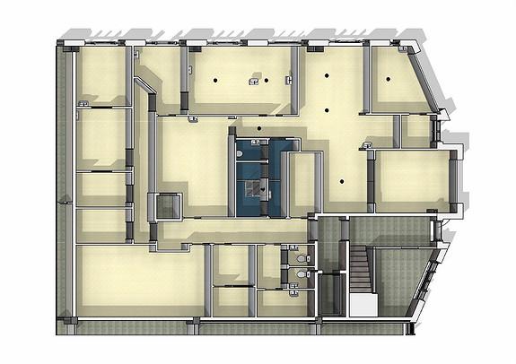 1.etg Lokale på 127 m2 med kjøreport og god takhøyde på 4.2m