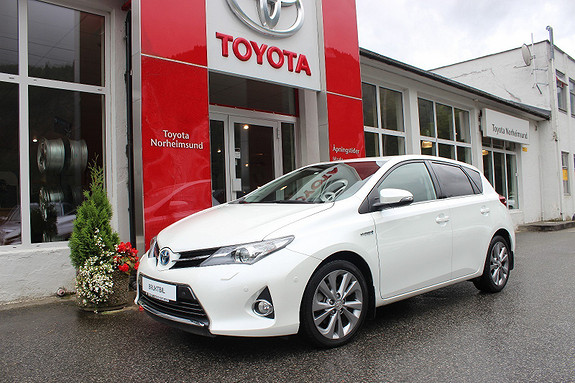 Toyota Auris 1.8 Hybrid Executive  2014, 54900 km, kr 199900,-