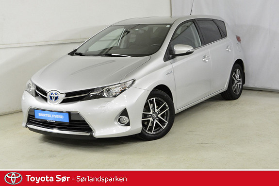 Toyota Auris 1,8 Hybrid E-CVT Active+ M/Bi-Xenon lys  2015, 70000 km, kr 199000,-