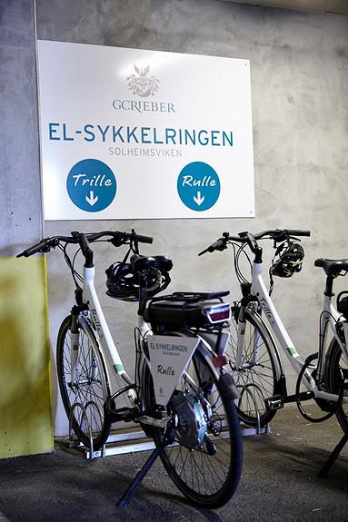 Vi har både el-sykkel og el-biler til utleie
