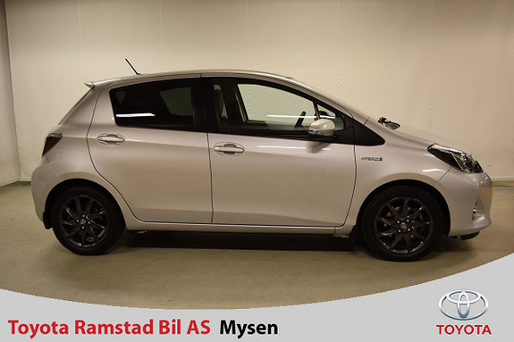 Toyota Yaris 1,5 Hybrid Style , toppmod. m. panoramatak og delskinn,  2013, 71500 km, kr 139000,-