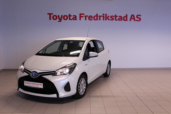 Toyota Yaris 1,5 Hybrid Active e-CVT  2015, 18200 km, kr 159000,-