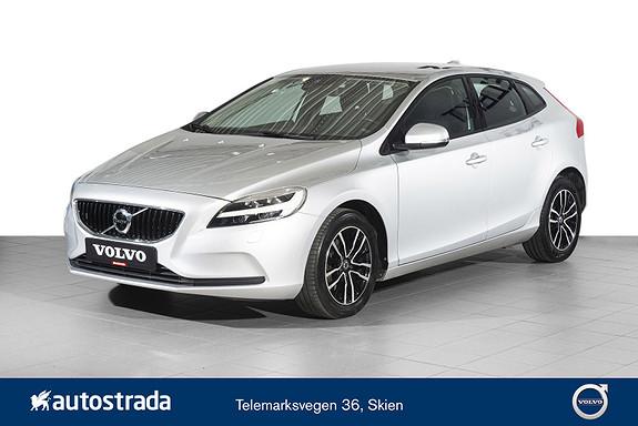 Volvo V40 T2 Momentum VOC/RYGGEKAMERA/NAVI/DAB+