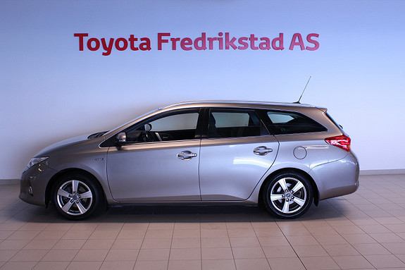 Toyota Auris Touring Sports 1,8 Hybrid Active  2013, 138445 km, kr 119000,-