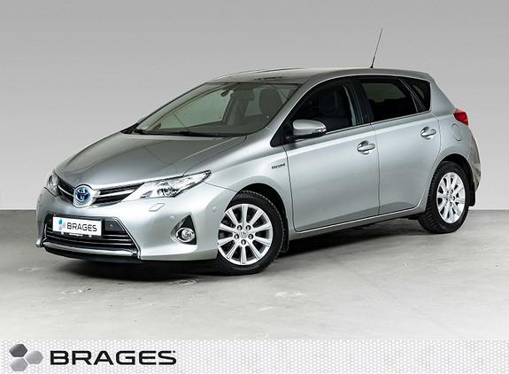 Toyota Auris 1,8 Hybrid E-CVT Executive DAB, Navi, Delskinn, Park.ass  2014, 61843 km, kr 159000,-