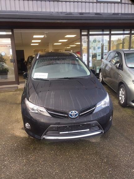 Toyota Auris 1,8 Hybrid E-CVT Executive  2014, 41550 km, kr 195000,-