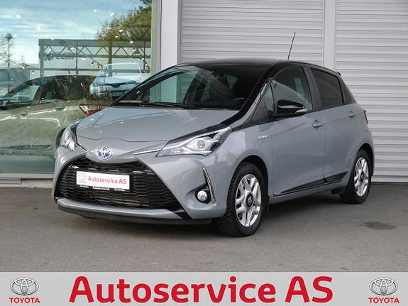Toyota Yaris 1,5 Hybrid Bi Tone e-CVT aut  2018, 12000 km, kr 239000,-