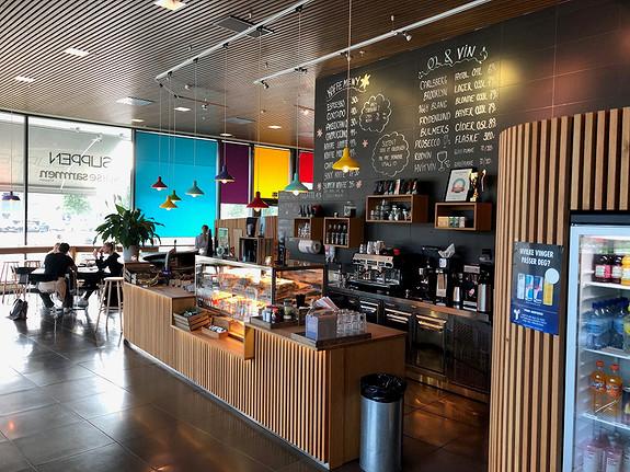 Café Slippen som nærmeste nabo