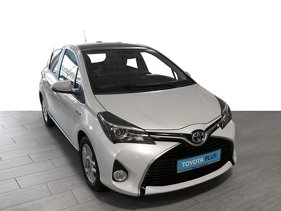 Toyota Yaris 1,5 Hybrid Style e-CVT *PANORAMATAK**DELSKINN**VELHOLDT  2016, 40811 km, kr 179000,-