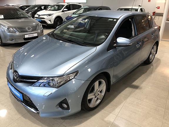 Toyota Auris 1,33 Dual VVT-i  Style m/Navi & Ryggekamera  2014, 129782 km, kr 129000,-