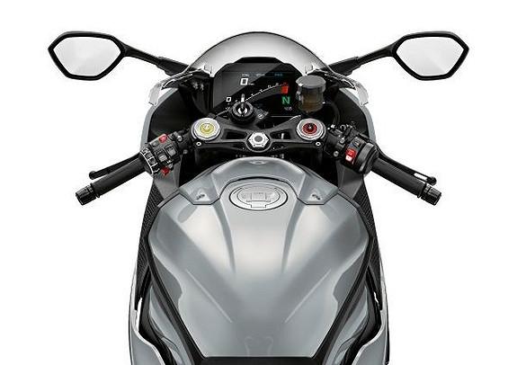 Bilbilde: BMW S1000RR m/utstyr