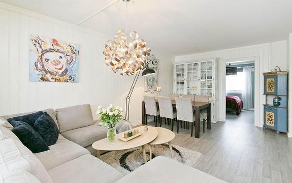 Gulset - Meget tiltalende leilighet med 2 soverom i 2.etg. Rolig og barnevennlig beliggenhet. Innglasset bal