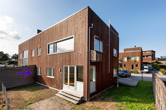 VISNING 4/3!  Justneshalvøya - Stor og pen nyere 3-roms selveier med garasje og fin solrik uteplass