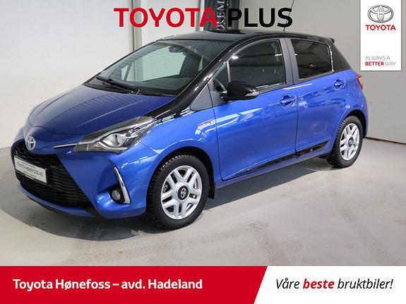 Toyota Yaris 1,5 Hybrid Bi Tone Blue e-CVT aut  2017, 21000 km, kr 209000,-