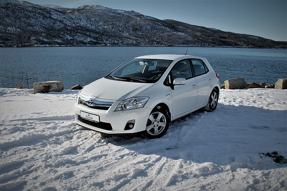 Toyota Auris 1,8 Hybrid Advance HSD  2011, 79790 km, kr 129000,-